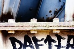 Grafittis na construção fotos de stock royalty free