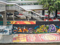 Grafittis urbanos ao longo do rio de Klang, Malásia Imagens de Stock Royalty Free
