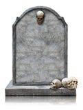 Grafsteen met schedel met het knippen van weg wordt geïsoleerd die Royalty-vrije Stock Foto
