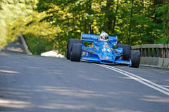 Graham Williams in einem Formel 1-Rennwagen Hesketh 308E lizenzfreies stockfoto