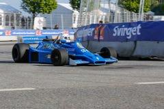 Graham Williams in einer Formel 1 Hesketh 308E lizenzfreie stockfotografie