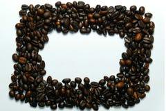 Grain de café de vue avec le beautifu de photos l vue de fond de la table en bois latérale Le concept photos stock