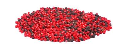 Grain de poivre noir et rouge sec Images libres de droits