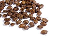 Grains de café de Brown images libres de droits