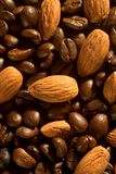 Grains de café et amandes Photo libre de droits