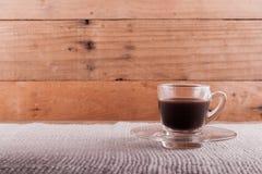 Grains de café et café soluble dans la tasse Photo libre de droits