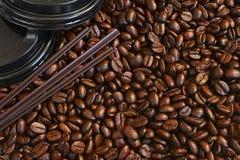 Grains de café frais rôtis Images stock