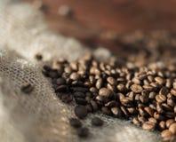 Grains de café frits Photographie stock