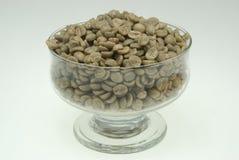 Grains de café non rôtis photographie stock