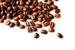 Grains de café rôtis Photographie stock libre de droits