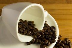 Grains de café savoureux Images stock