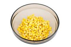 Grains de maïs dans la cuvette Photos libres de droits