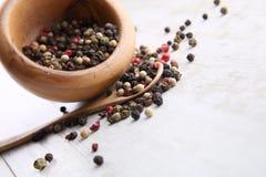 Grains de poivre Photographie stock libre de droits