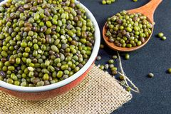 Grains entiers, haricots verts images stock