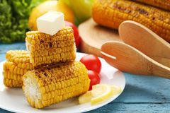 Grains grillés avec du beurre Photos libres de droits