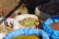 Grains locaux à vendre dans Lalibela photographie stock