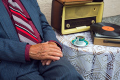 Gramófono pasado de moda Imagen de archivo libre de regalías