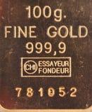 100 gram av ren guld Fotografering för Bildbyråer