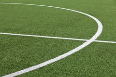 Grama e linhas do futebol Foto de Stock