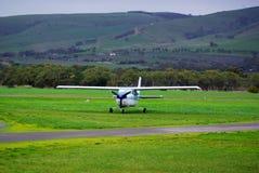 Grama verde & aviões leves Fotografia de Stock