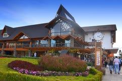 Gramado, Бразилия: Типичная архитектура Gramado стоит вне среди других городов для своей баварской архитектуры стоковые изображения