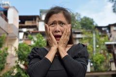 Gramma mayor femenino chocado fotografía de archivo libre de regalías
