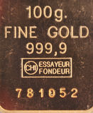 100 grammes d'or pur Image stock
