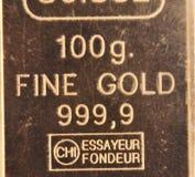 100 grammi di oro puro Fotografia Stock Libera da Diritti