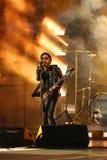 Grammyprisvinnaren Lenny Kravitz för fyra gånger utförde på US Open ceremoni för 2013 premiär Royaltyfria Foton