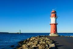 Gramocząsteczka na morza bałtyckiego wybrzeżu w Warnemuende Obrazy Royalty Free
