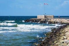 Gramocząsteczka na morza bałtyckiego wybrzeżu w Warnemuende, Niemcy Zdjęcia Stock