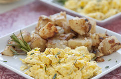 gramolący się śniadaniowy jajko Obrazy Stock