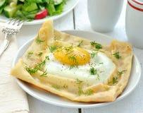 gramolący się jajko blin Zdjęcie Stock