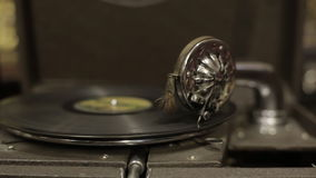 Gramophone στο παλαιό κατάστημα απόθεμα βίντεο