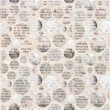Grampeamentos da colagem do jornal com texto misturado imagens de stock royalty free