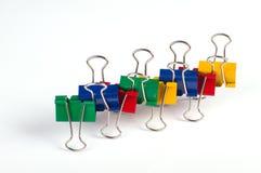 Grampos de papel coloridos Imagens de Stock