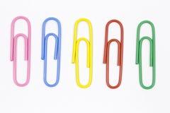 Grampos de papel coloridos Fotos de Stock Royalty Free