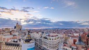 Gran全景鸟瞰图通过在日落,地平线老镇都市风景,大都会大厦,西班牙的首都的timelapse 影视素材