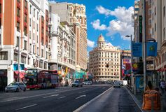 Gran通过在马德里、最重要的购物和城市的娱乐区域 免版税图库摄影