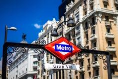 Gran através do Madri da estação de metro fotos de stock
