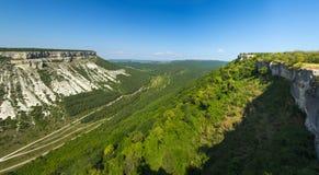 Gran barranco en las montañas crimeas Fotografía de archivo libre de regalías