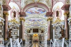 Gran biblioteca más grande de la abadía vieja Fotografía de archivo libre de regalías
