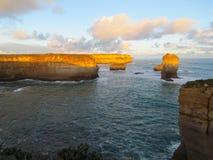 Gran camino del océano de Australia en la puesta del sol Imagen de archivo libre de regalías