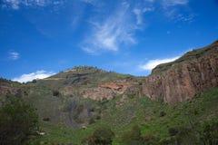 Gran Canaria, Caldera de Bandama efter vinter regnar Arkivfoto