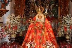 GRAN CANARIA, KANARIEFÅGEL ISLANDS/SPAIN - FEBRUARI 21: Detalj av chur royaltyfria bilder