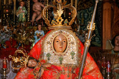 GRAN CANARIA, KANARIEFÅGEL ISLANDS/SPAIN - FEBRUARI 21: Detalj av chur arkivbild