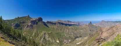 Gran Canaria, sikt över calderaen de Tejeda arkivbilder