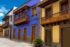 Gran Canaria Teror färgrika facades royaltyfria bilder