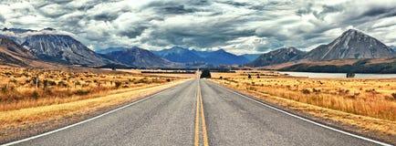 Gran carretera alpestre imagen de archivo libre de regalías