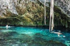Gran Cenote在尤加坦,墨西哥 免版税库存图片